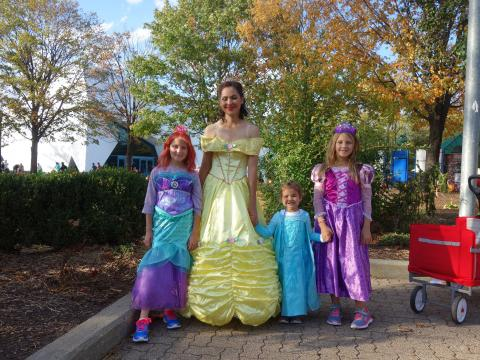 Halloween dress-up fun at the Detroit Zoo Boo event